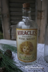 Kleine Flasche- Flacon - Miracles Rose Water bottle