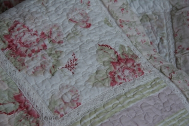 "Vintage Plaid - Quilt ""Flower-Rose"" 130 x 180"